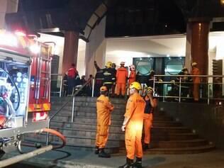Fogo atinge prédio sede da campanha