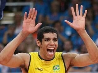 Oposto brasieliro marcou 23 pontos na vitória sobre a seleção russa, em Florença, na Itália