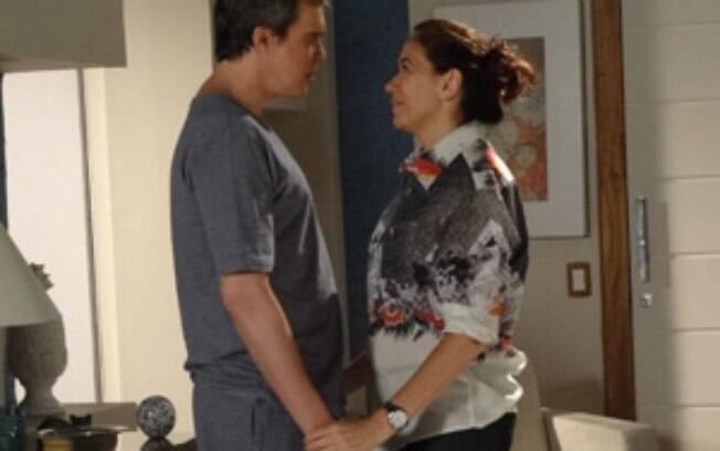 Griselda convida René e o filho para morarna mansão