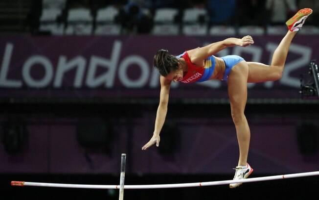 Russa Elena Isnbayeva ficou com a medalha de  bronze no salto com vara nas Olimpíadas de 2012
