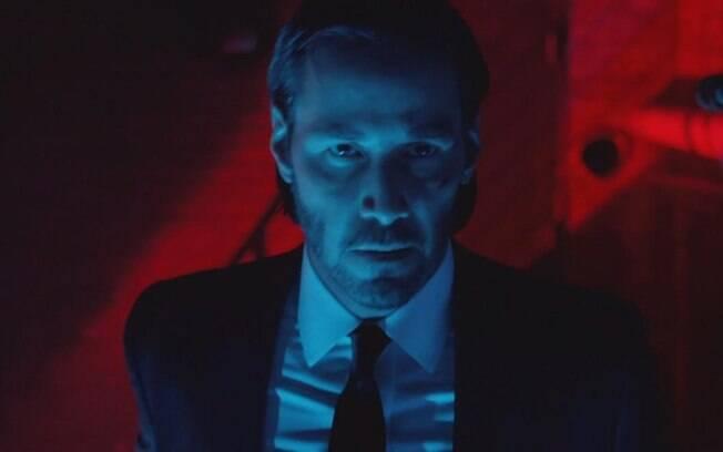Keanu Reeves em cena de Volta ao Jogo