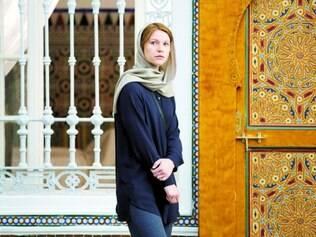 Sina. A Carrie Mathison de Claire Danes tem que lidar com a morte do amado, o bebê não planejado e espionagem no Oriente Médio