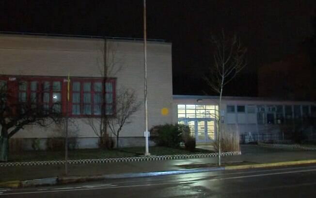 Professor foi pego em flagrante abusando da aluna de apenas nove anos na última quarta