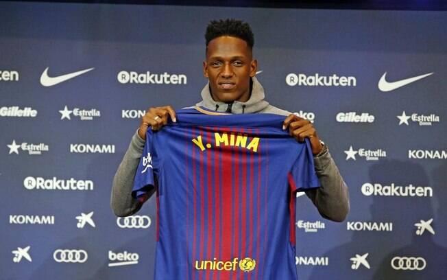 Yerry Mina foi comprado pelo Barcelona por um valor de 11,8 milhões de euros, o equivalente a R$ 45,5 milhões