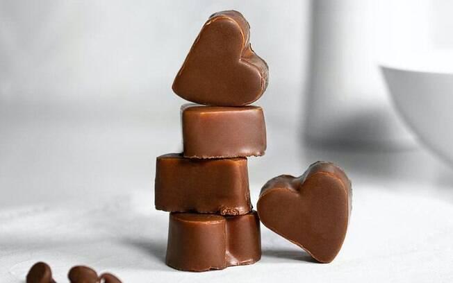 Simpatias com chocolate para um romance doce e feliz