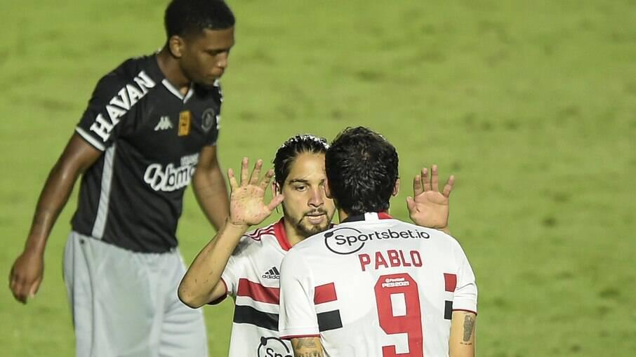 Vasco perde para o São Paulo e está fora da Copa do Brasil