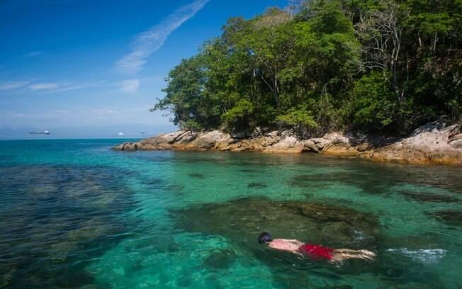 Quem procura o que fazer em Ilha Grande pode esperar por muita praia, sol, snorkeling e natureza