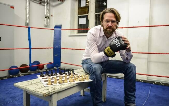 Iepe Rubingh, holandês que criou o Chess Boxing - e foi o primeiro campeão mundial