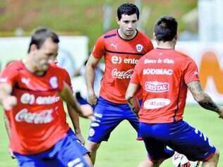 Retorno. Em abril de 2013, seleção chilena esteve na Toca da Raposa para se preparar para amistoso contra o Brasil