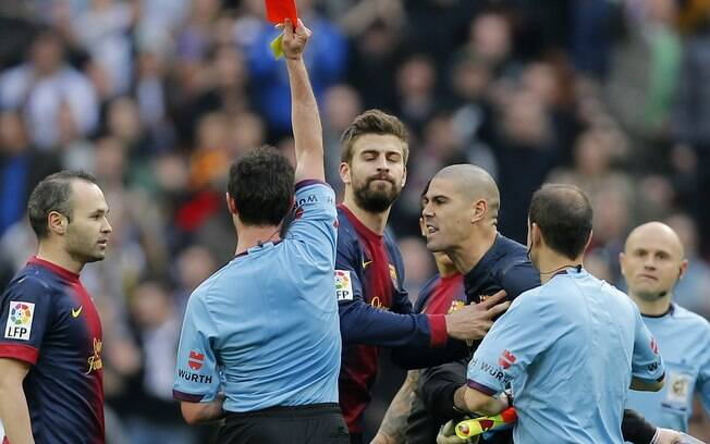 O goleiro Victor Valdés exagerou nas críticas  à arbitragem e acabou expulso depois do jogo já  ter terminado