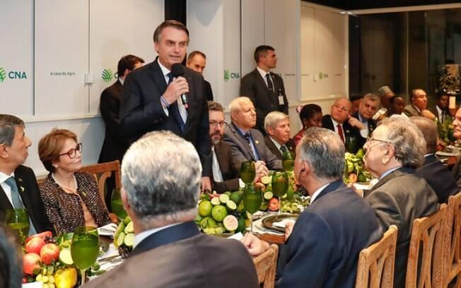Bolsonaro em jantar com embaixadores árabes