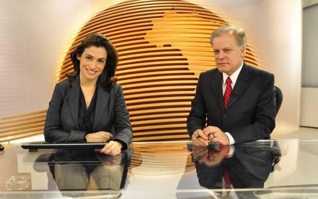 Renata Vasconcelos e Chico Pinheiro na bancada do
