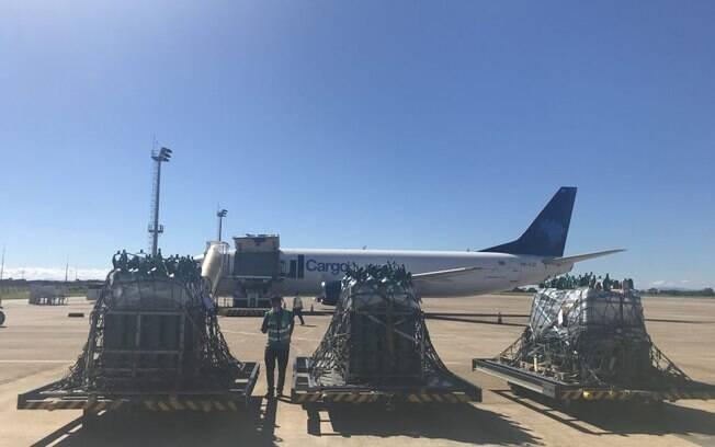 Partindo de BH, Azul Cargo transporta 100 cilindros de oxigênio para Manaus