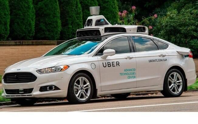 Ford Fusion autônomo da Uber em testes em Pittsburg, na Califórnia (EUA), mas ainda não pode ser vendido ao público