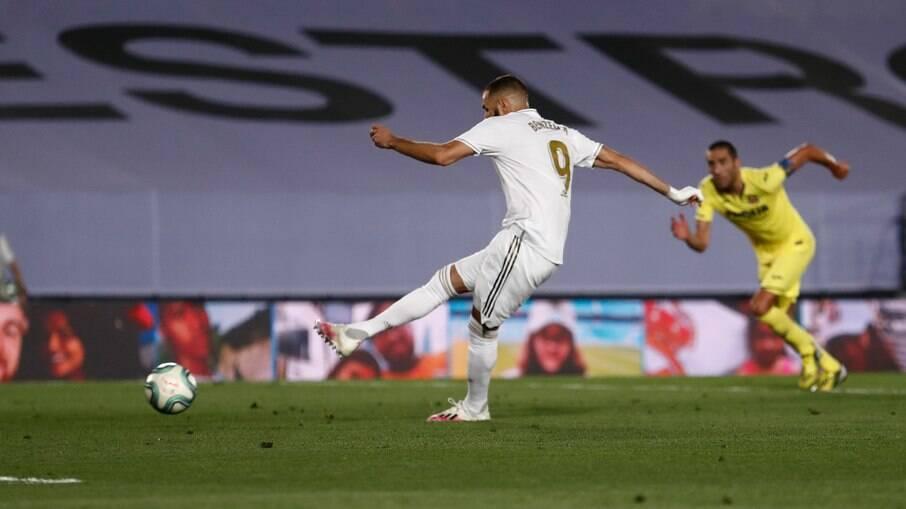 Real Madrid renova contrato com Benzema