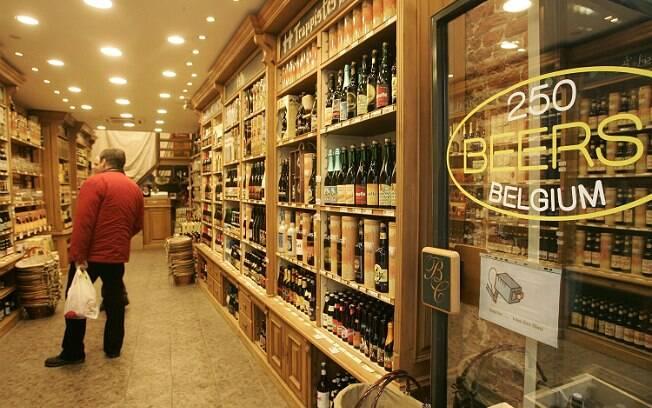Loja de cervejas em Bruxelas, capital da Bélgica