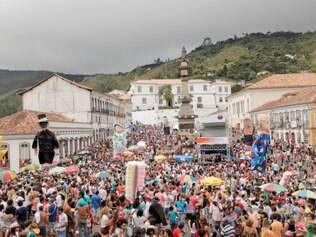 Fantasias dão vida às ladeiras de Ouro Preto