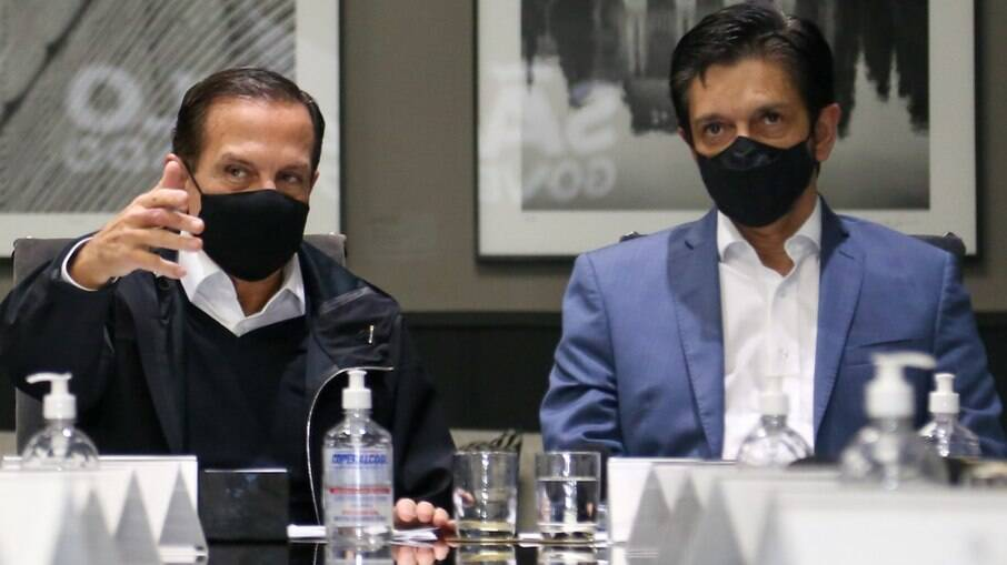 Doria, governador de São Paulo; e Nunes, prefeito de São Paulo, são explicações diferentes para falta de vacinas