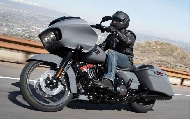 Harley-Davidson CVO Road Glide é uma moto mais radical. Sua sofisticação e rodas 21