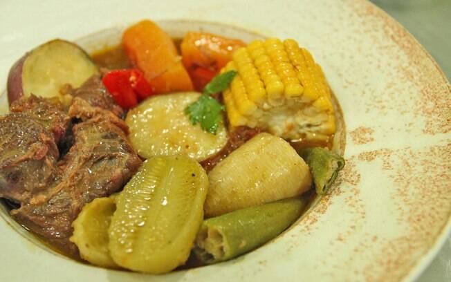 Foto da receita Carne de panela com legumes pronta.