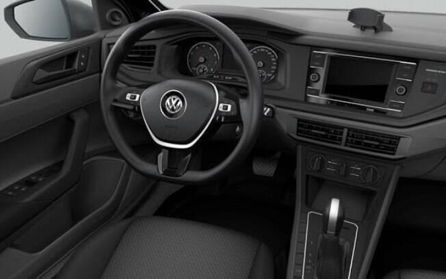 Assim como nas outras versões, o VW Polo 1.6 AT traz acabamento inteiramente de plástico, ainda que de boa qualidade