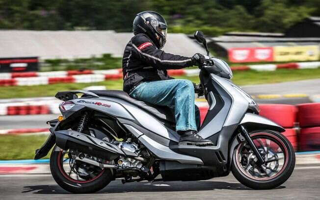 Dafra Citycom HD300 tem preço sugerido de R$ 21.490, mas não conta com para-brisa entre os equipamentos de série