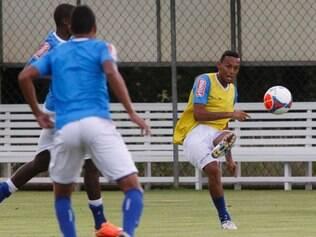 Gilson segue rotina de treinos e, no momento, é a primeira opção do técnico Marcelo Oliveira