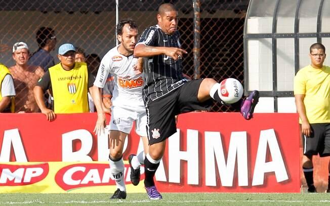 O clássico contra o Santos em abril foi a  última partida de Adriano