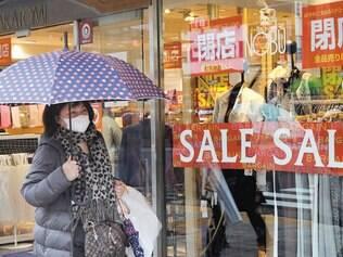 Demanda. No Japão, consumo está fraco e excesso de oferta gera deflação