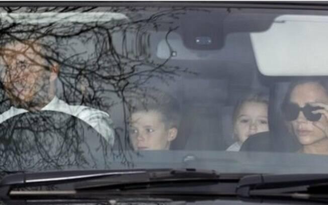 Os Beckham chegam para a cerimônia de casamento