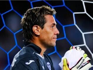 Ex-Atlético, Diego Alves pegou mais um pênalti com a camisa do Valencia