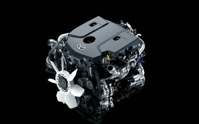 Toyota SW4 2021 continua sendo oferecido com motor a diesel ou flex, conforme a versão, mas sempre com câmbio automático