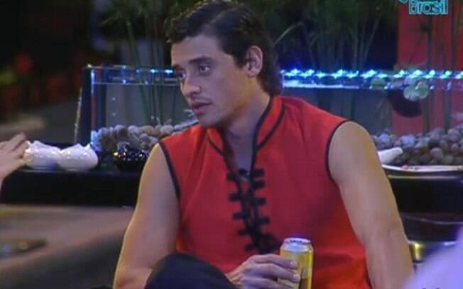 Fael comenta a ida de Laisa para o Gran Hermano com Monique