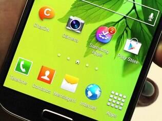 Aplicativos da Samsung, como o ChatOn, estão no Galaxy S4