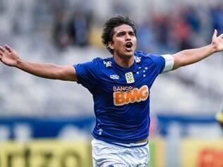 Moreno marcou o primeiro gol do Cruzeiro no jogo, o quarto dele de cabeça no Brasileirão
