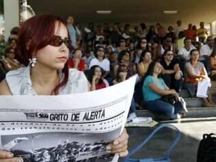 Professores protestam por melhores salários