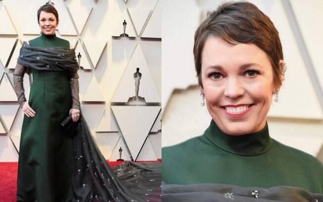 Looks das famosas: Olivia Colman compareceu ao red carpet do Oscar com um vestido customizado Prada e jóias Chopard