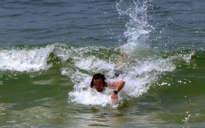Eddie Vedder volta para a areia