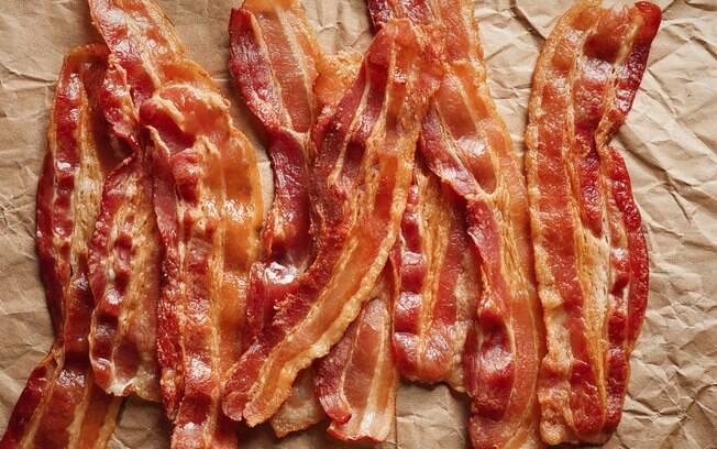 O bacon na dieta deve ser moderado, já que tudo que é consumido em excesso pode fazer mal a saúde