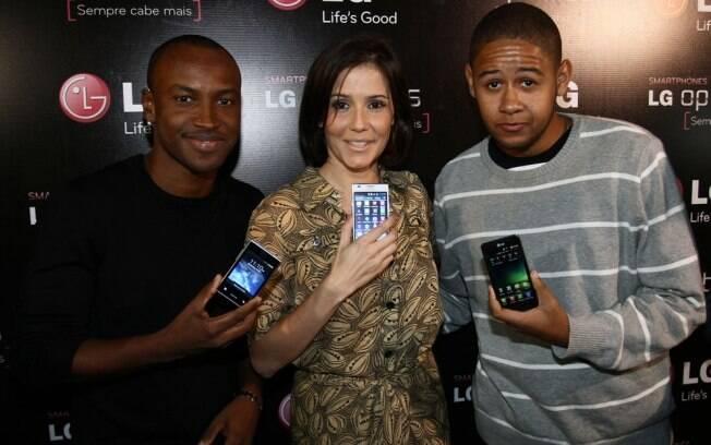 Thiaguinho,Deborah Secco e Emicida lançam Campanha para a nova Família Optimus de smartphones LG