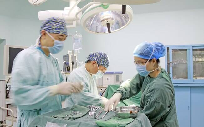 Técnica utilizada para manter o coração do indiano e implantar o órgão doado é chamada de transplante heterotópico