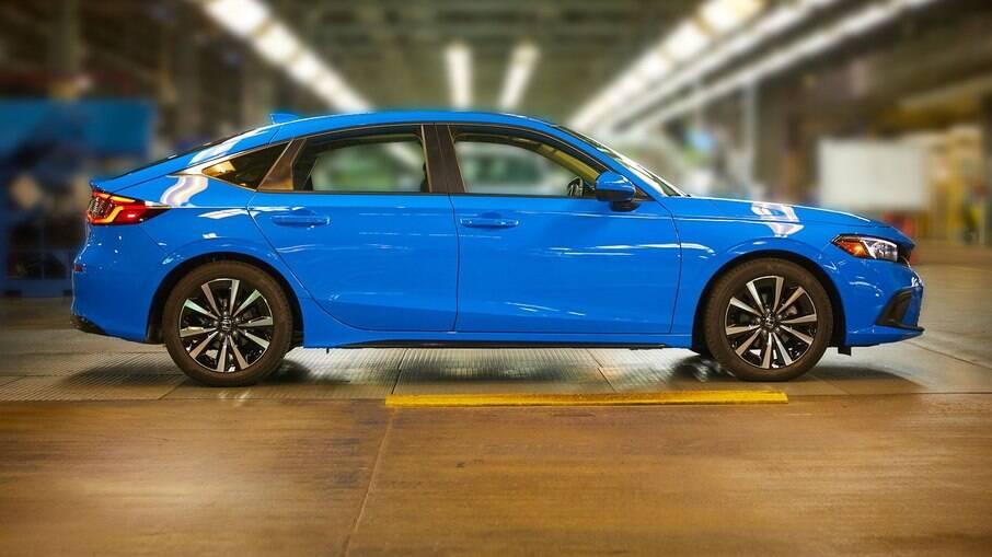 Honda Civic hatch de cinco portas na linha de montagem em Indiana, nos Estados Unidos, onde também é feito o CR-V