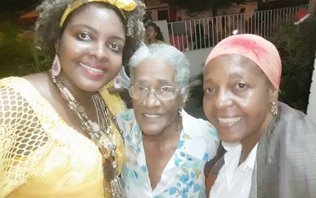 Izadora, Dona Veinha e Fátima Cruz fortalecem a nossa identidade garantindo que a tradição será mantida