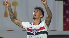 São Paulo sofre, mas vence Atlético-GO e se afasta do Z4