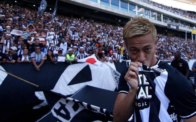 Keisuke Honda, meia japonês do Botafogo