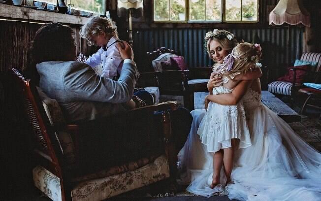 O casal estava adiando a cerimônia, mas, quando a fotógrafa Beth Fernley soube da história, realizou o sonho dos dois