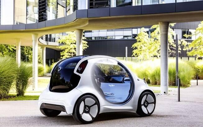 Desenho futurista inclui cantos arredondados, lanternas traseiras elevadas e boa área envidraçada