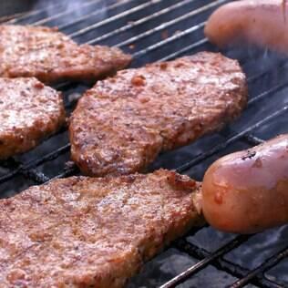 Carnes e embutidos pedem consumo moderado