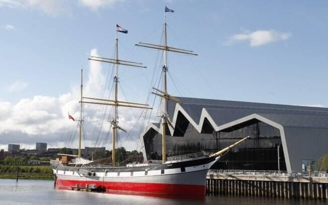 O imponente edifício do Riverside Museum no novo porto da cidade