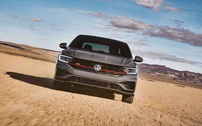 VW Jetta GLi, o esportivo com porta-malas para a família